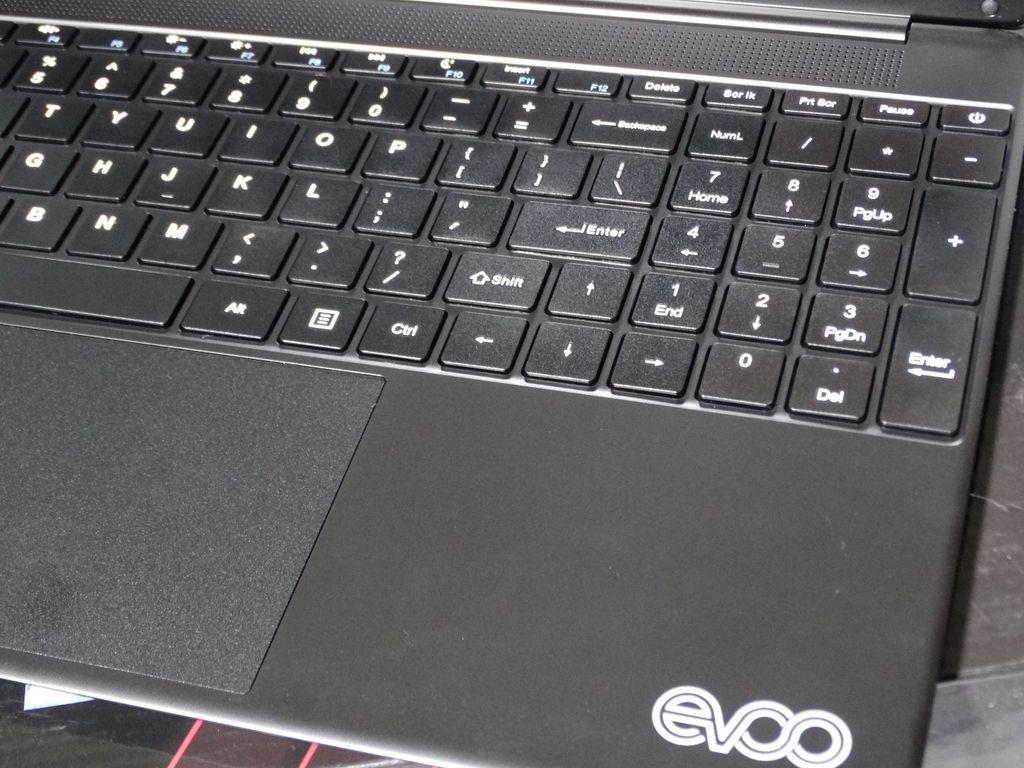 Evoo Ultra Thin 15.6 inch 256GB, Intel Core i7 6th Gen. 2.40GHz, 8GB