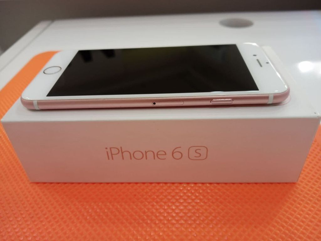 Apple iPhone 6s 32GB Rose Gold (MN122)