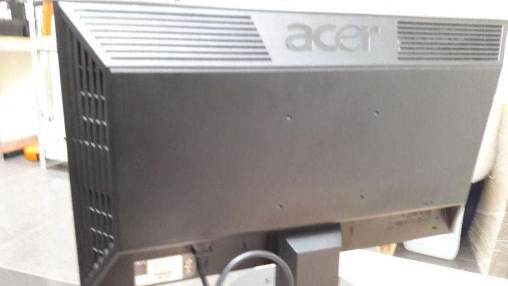 Acer v223hqbb