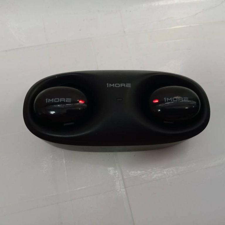 1More earbuds black ecs3001b