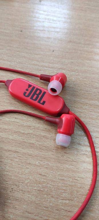 JBL E25BT Black