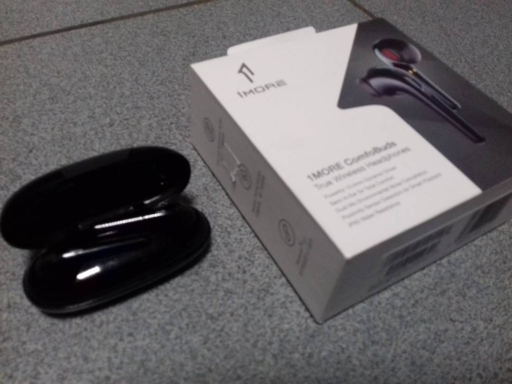 1More ComfoBuds TWS Headphones White (ESS3001T)